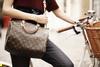 Louis Vuitton 2011年 女包广告